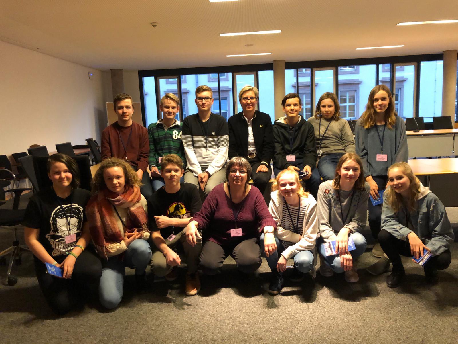 SchülerInnen-Gruppe beim Besuch des Thüringer Landtags in Erfurt 2019